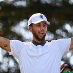 Steph Curry, Mike Trout et des athlètes vedettes s'entraînent aux coups de golf