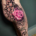 Mandala et tatouage de jambe de rose