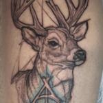Tatouage de cerf: guide et photos (En images) - TattooList