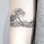 Tatouage des vagues de la mer: le guide (En images) - TattooList
