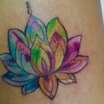101 idées de tatouage de fleur de lotus pour votre plaisir.