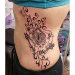 36 tatouages de vigne élégants fleur de vigne rose