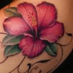 Tatouage Hibiscus: signification, symbole et images (En images) - TattooList