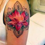 Tatouages de fleurs sur le bras : lequel choisir ? (En images) - TattooList